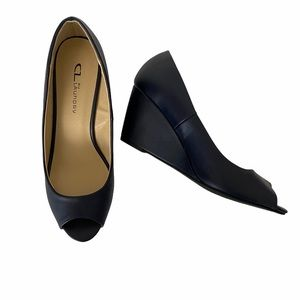 CL by Laundry Classic Wedge Pump size 9.5